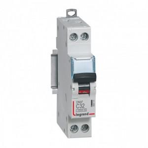 LEGRAND - LEG406777 - Disjoncteur DNX3 - 1P+N - 32 A - Courbe C - PdC 4.5 kA